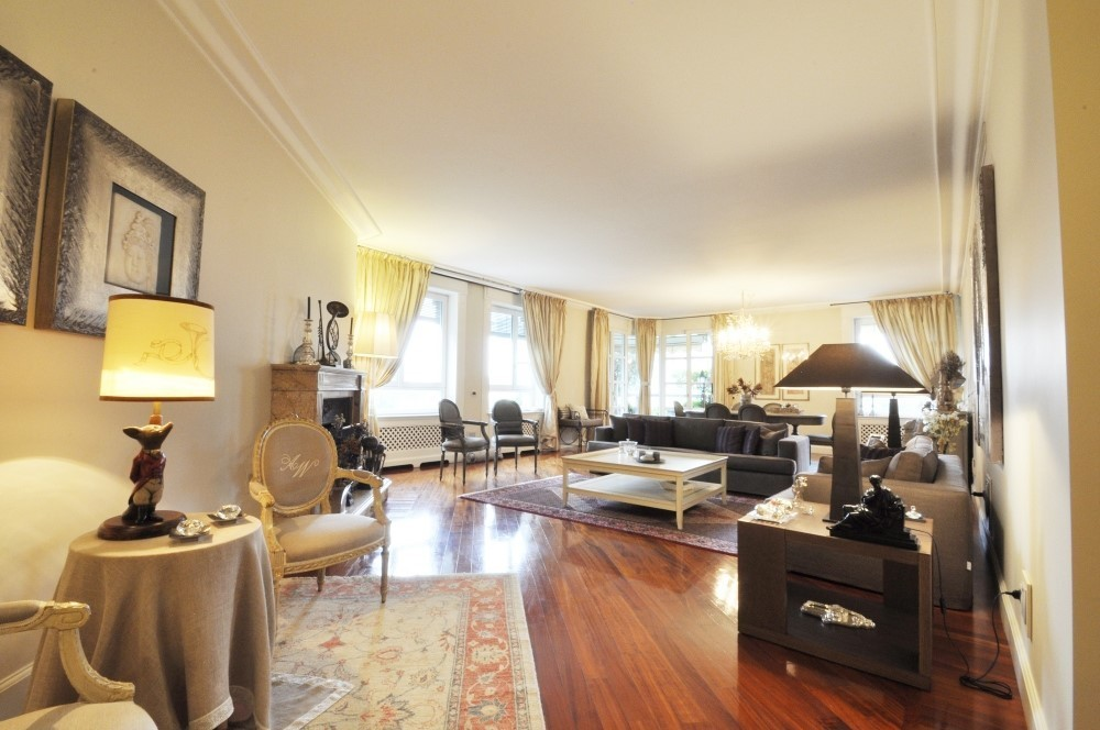 PPC private property consultants: Elegant renovated apartment in the hippodrome area