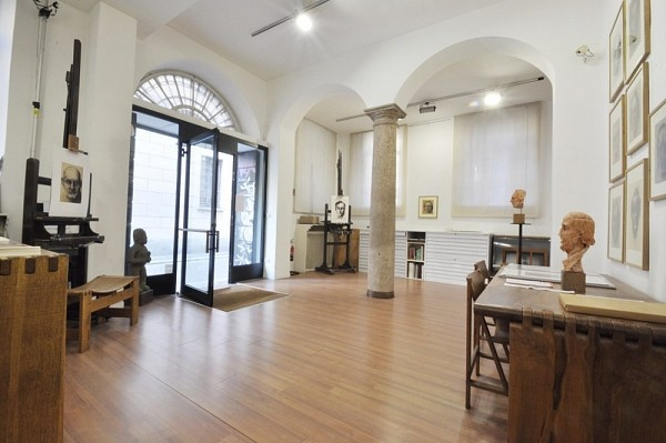 PPC private property consultants: Loft at the groundfloor of an historical businding in Sant'Ambrogio
