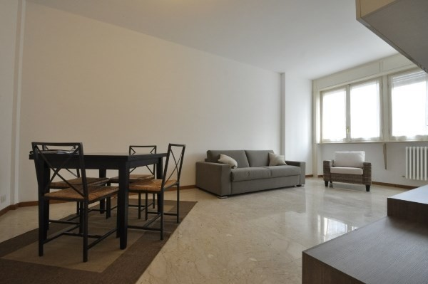 PPC private property consultants: Large Studio Flat between Centrale and Piazza della Repubblica